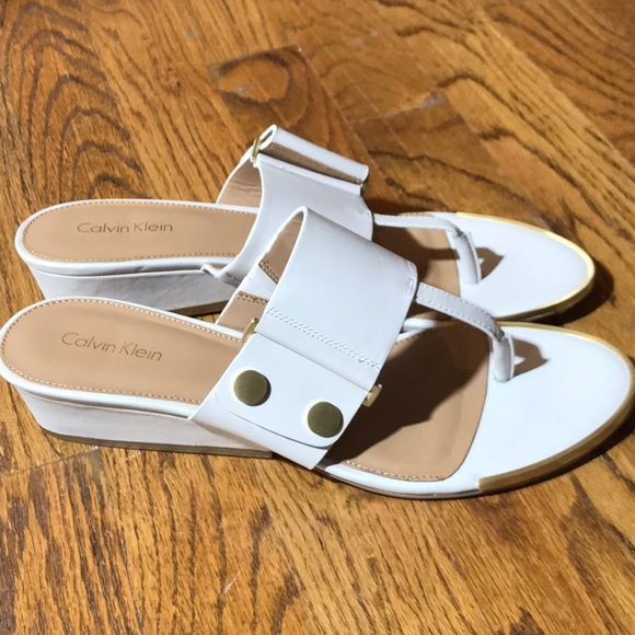 1b76e67d26b Calvin Klein sandals in cream and tan leather NEW!